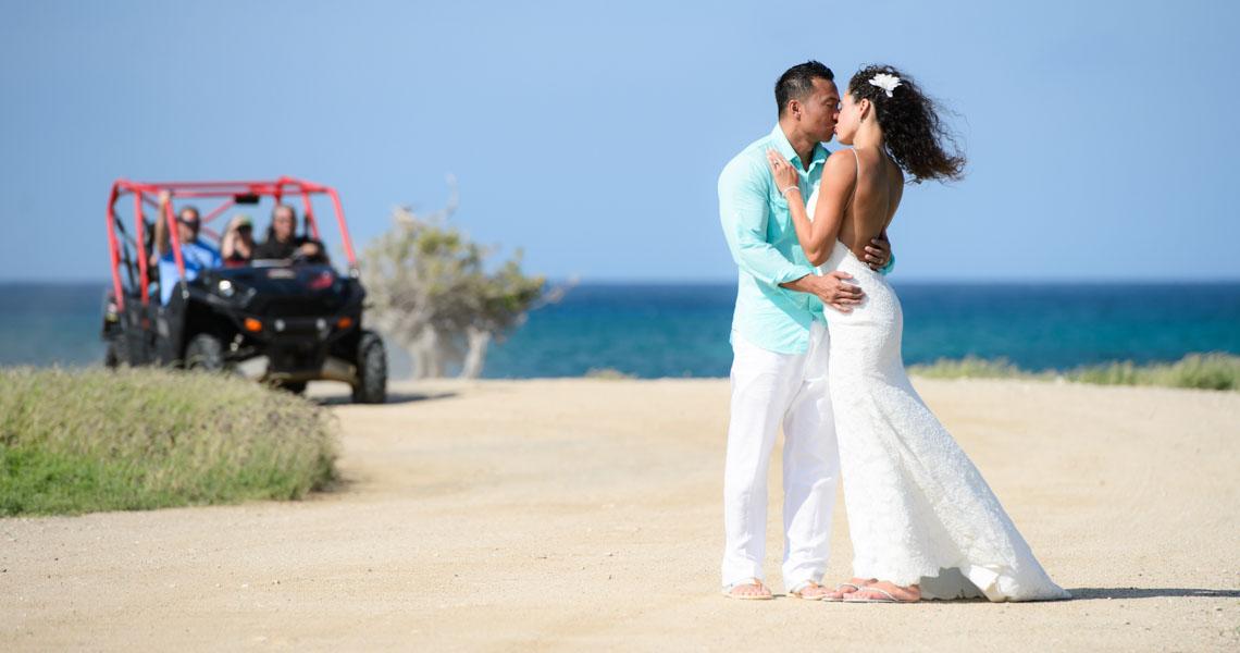 phojournalistic wedding aruba