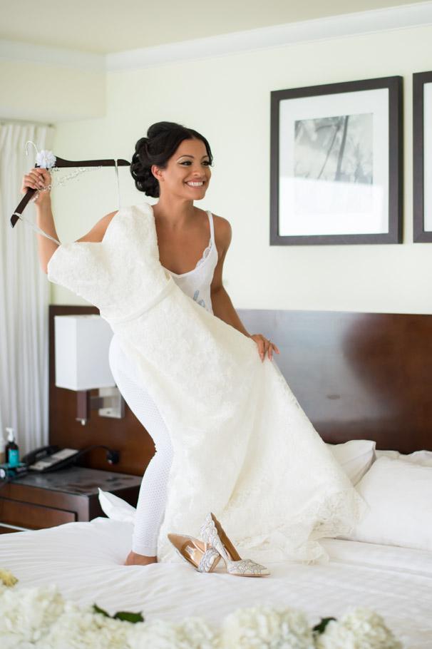 liz-marriott-aruba-wedding-002