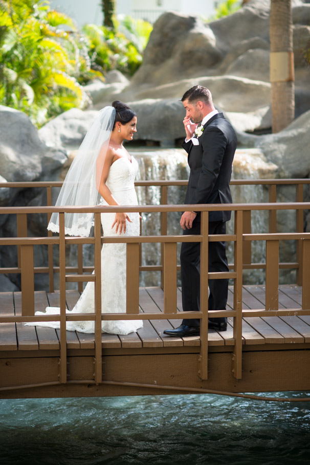 liz-marriott-aruba-wedding-006