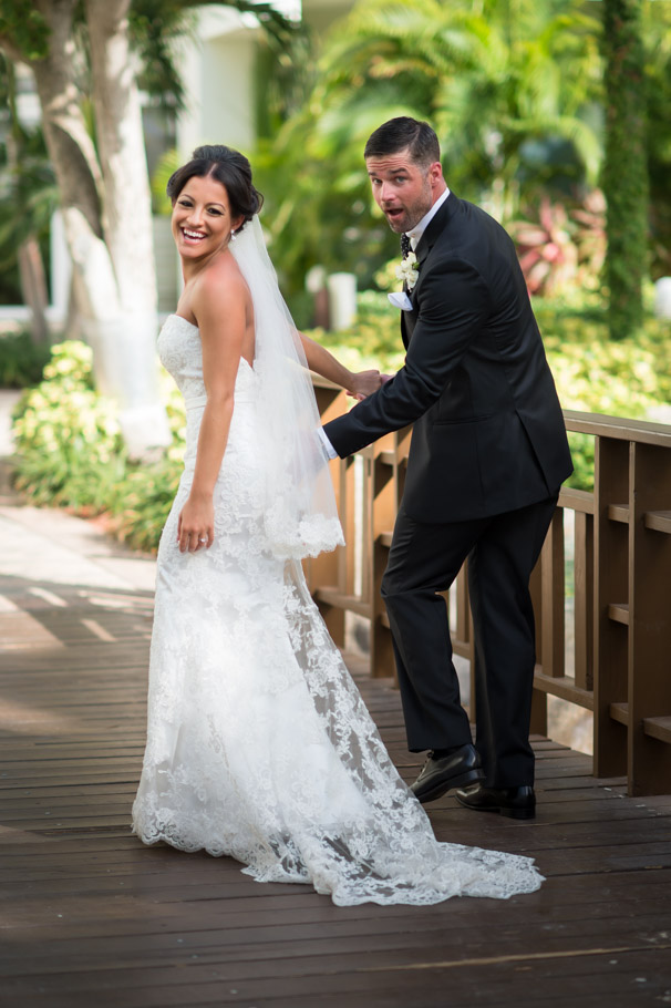 liz-marriott-aruba-wedding-007