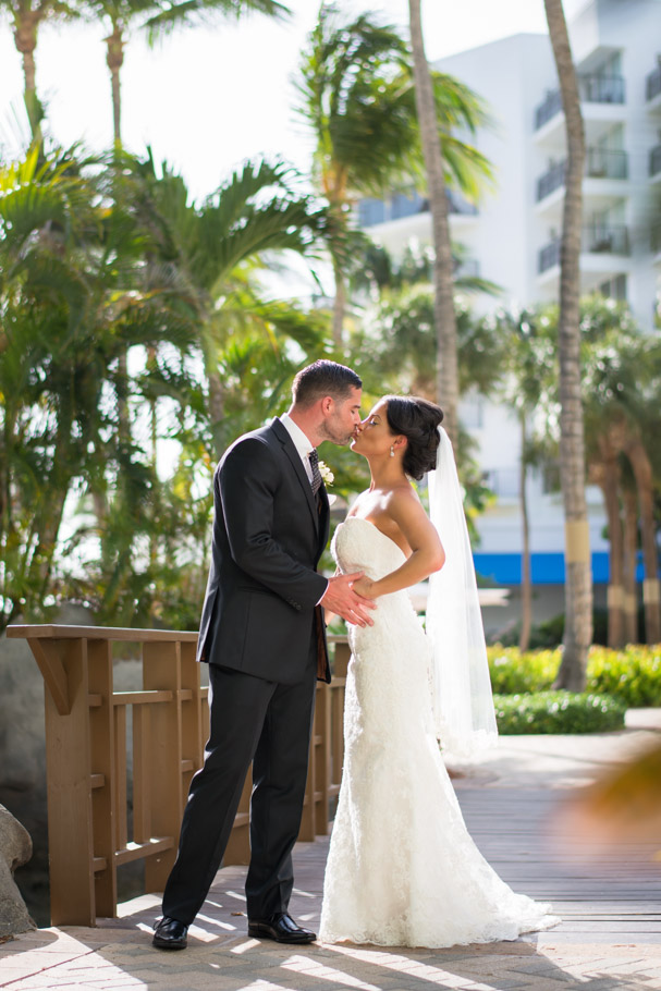 liz-marriott-aruba-wedding-008