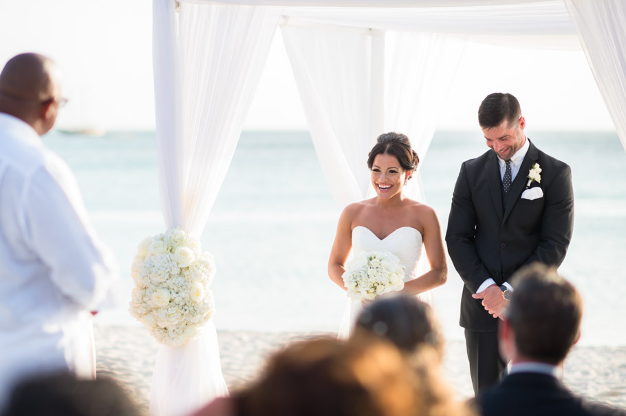 liz-marriott-aruba-wedding-012