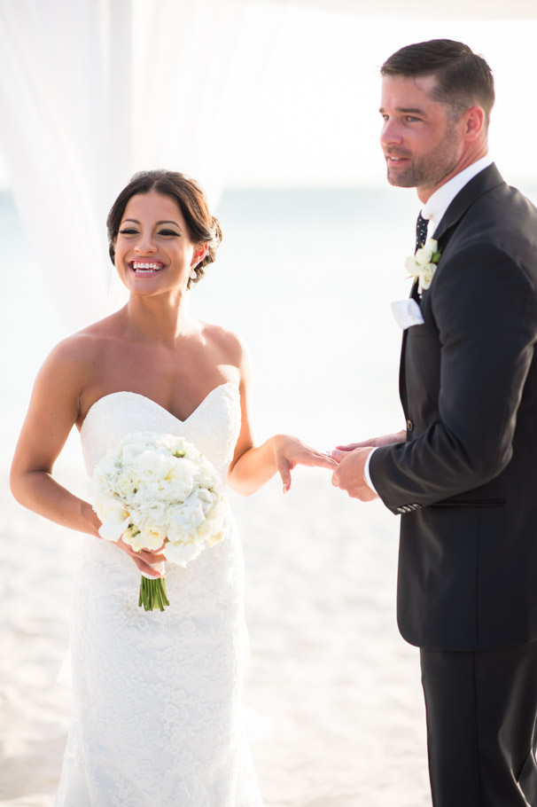 liz-marriott-aruba-wedding-013