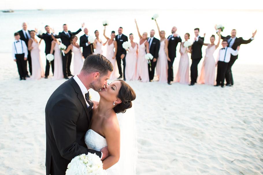 liz-marriott-aruba-wedding-017