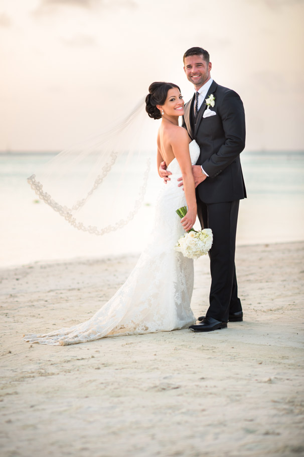 liz-marriott-aruba-wedding-018
