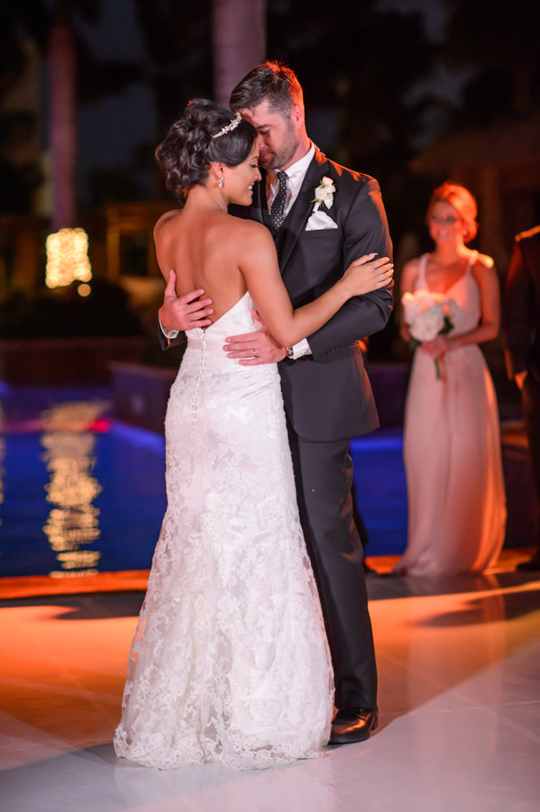 liz-marriott-aruba-wedding-023