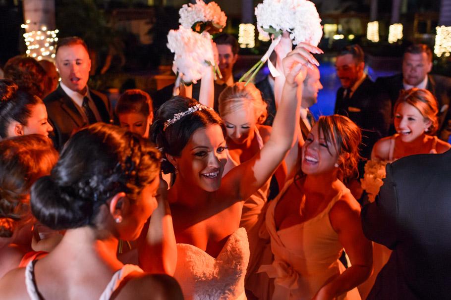 liz-marriott-aruba-wedding-026