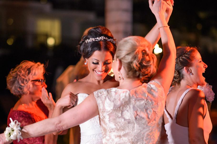 liz-marriott-aruba-wedding-028