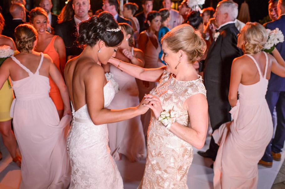 liz-marriott-aruba-wedding-029