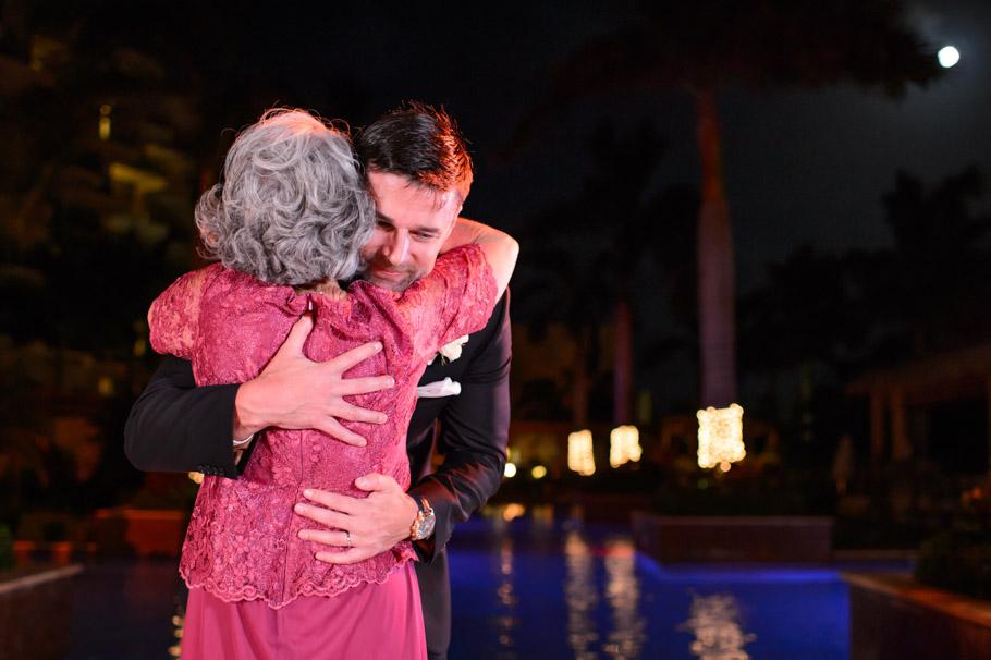 liz-marriott-aruba-wedding-035