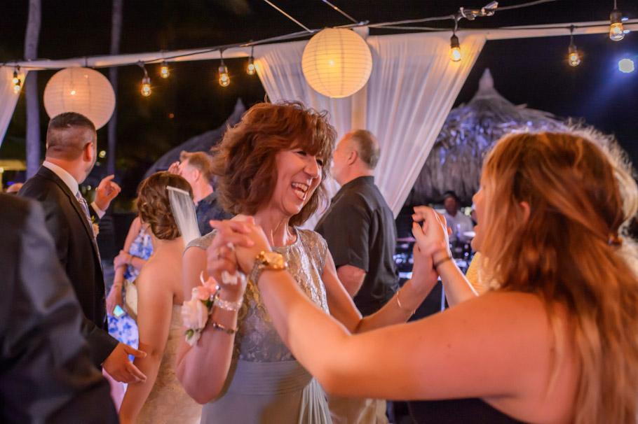 jill-hilton-aruba-wedding-045