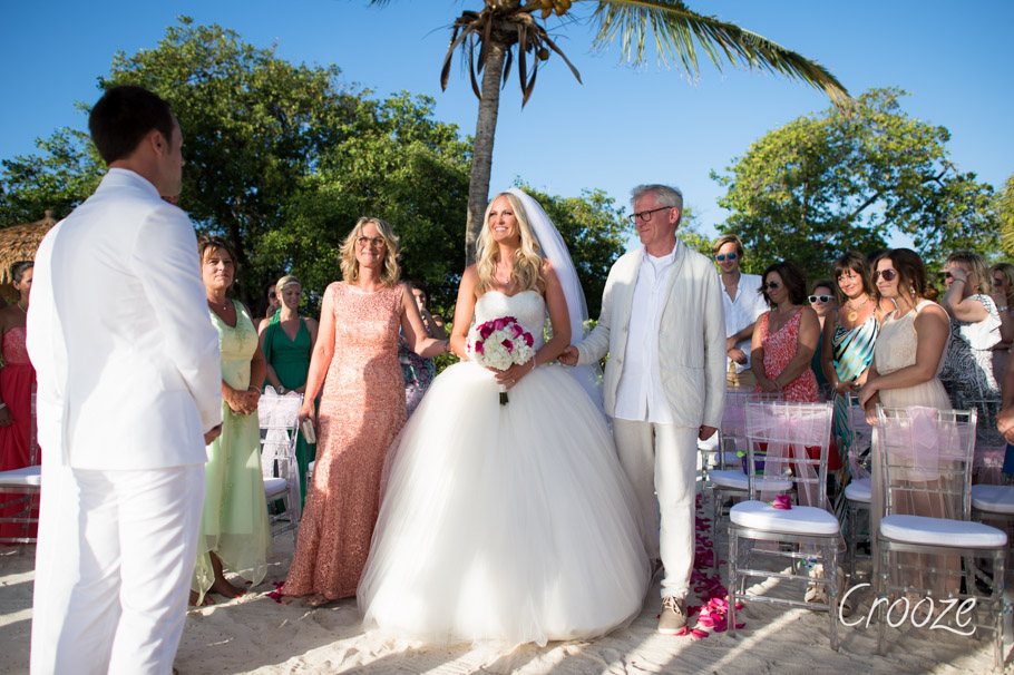 luisa-renaissance-aruba-wedding-015