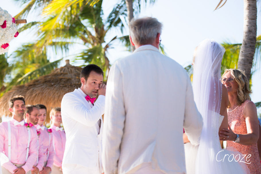 luisa-renaissance-aruba-wedding-016