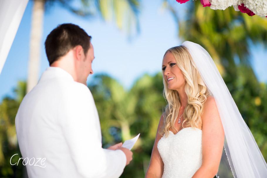 luisa-renaissance-aruba-wedding-021