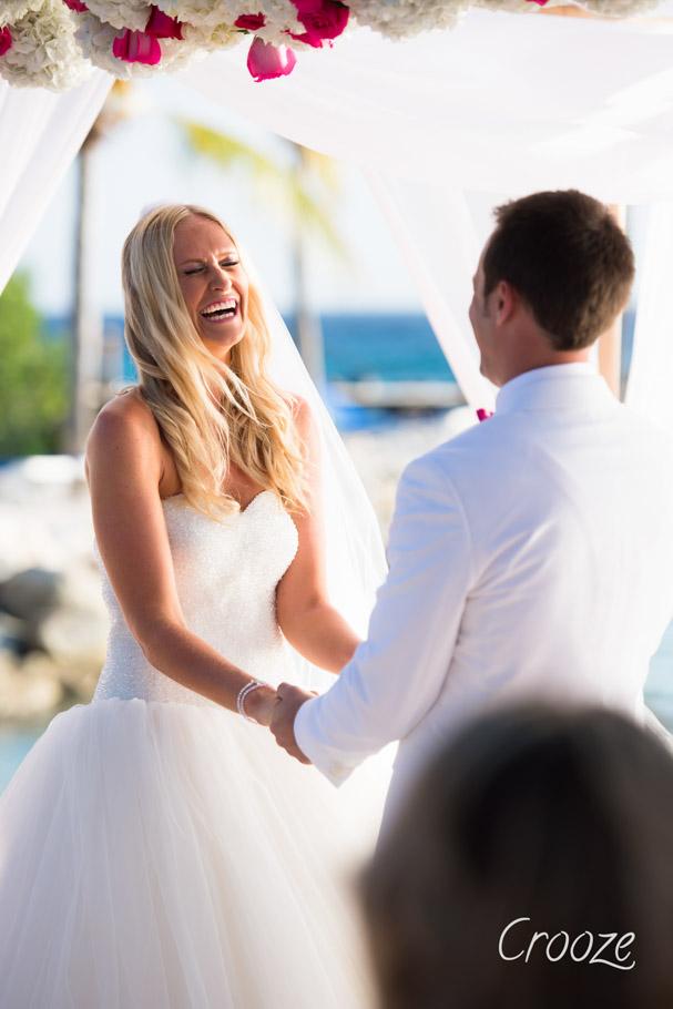 luisa-renaissance-aruba-wedding-024