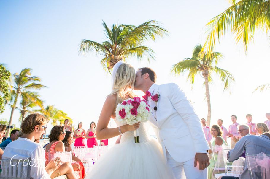 luisa-renaissance-aruba-wedding-027