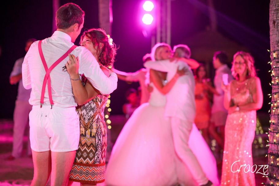 luisa-renaissance-aruba-wedding-040