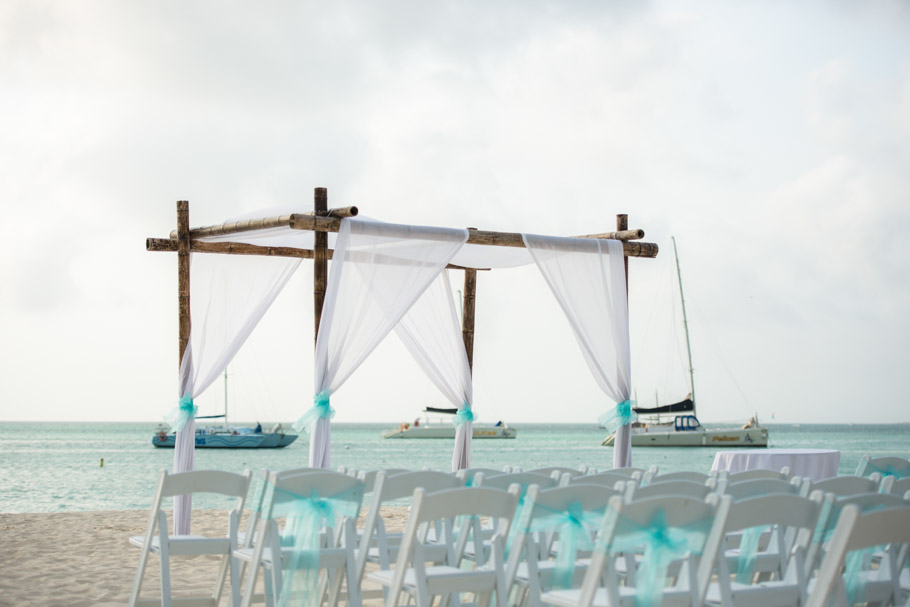 krissy-hyatt-aruba-wedding-027