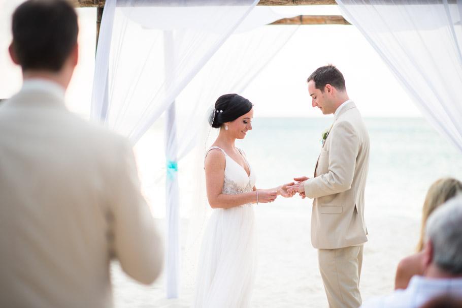 krissy-hyatt-aruba-wedding-044