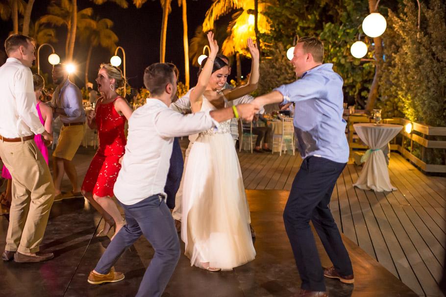 krissy-hyatt-aruba-wedding-096