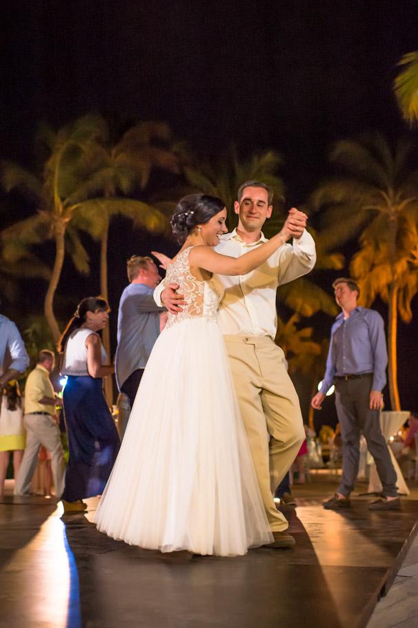 krissy-hyatt-aruba-wedding-099