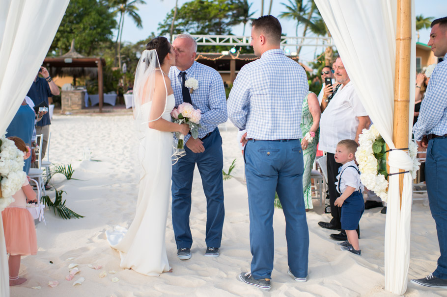 kaitlyn-divi-aruba-wedding-039