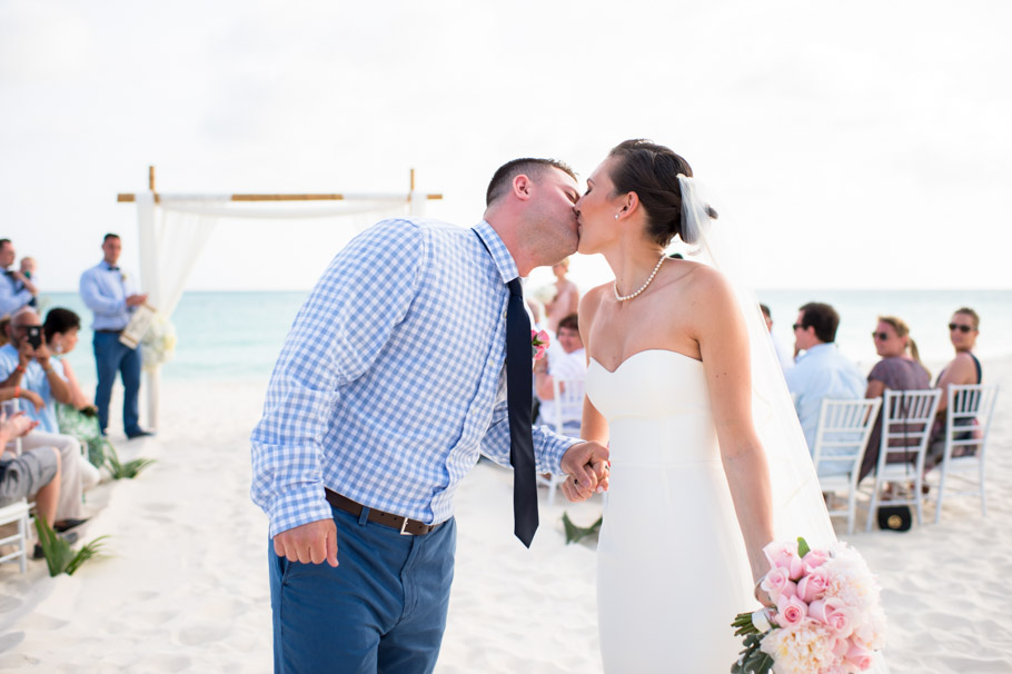 kaitlyn-divi-aruba-wedding-059