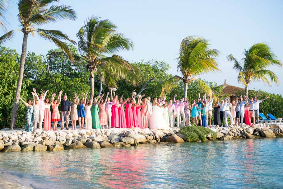 luisa-renaissance-aruba-wedding-group-001