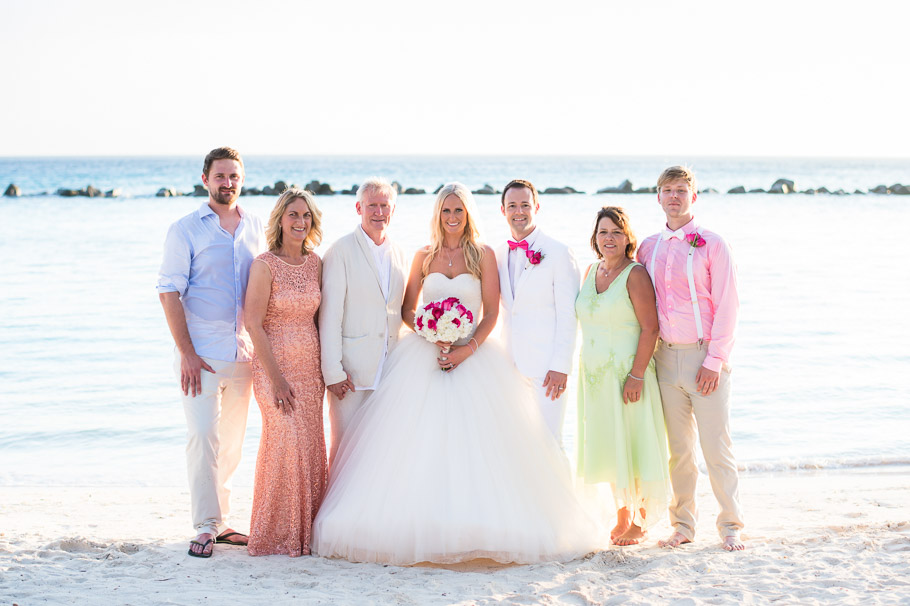 luisa-renaissance-aruba-wedding-group-002
