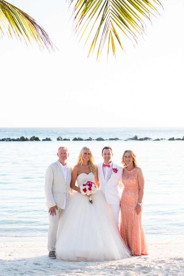 luisa-renaissance-aruba-wedding-group-003