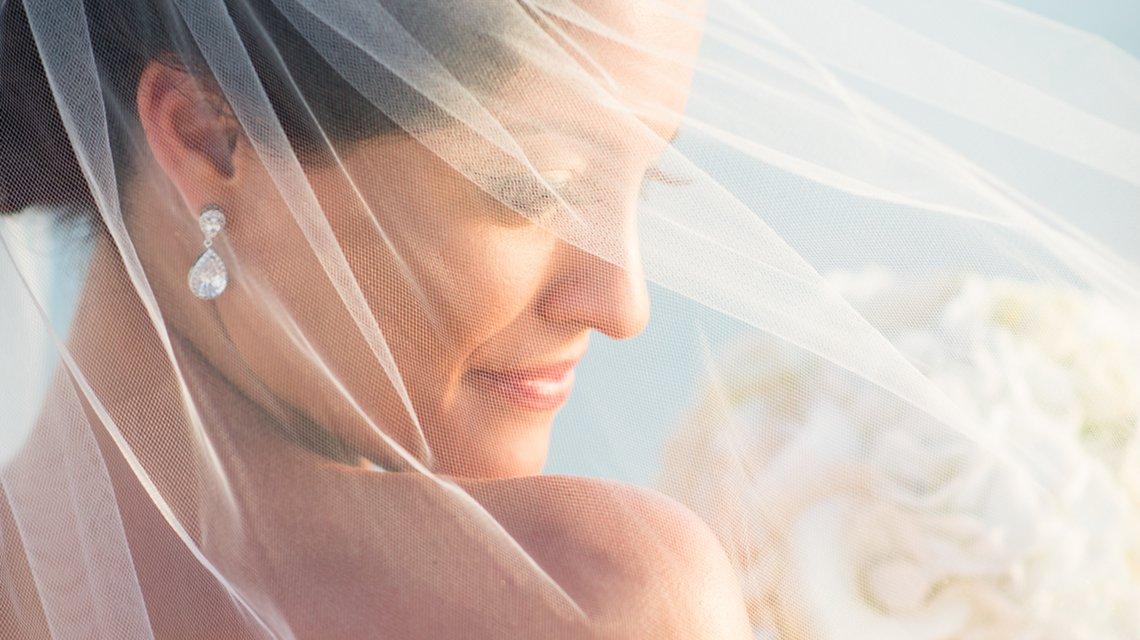 bride aruba destination wedding