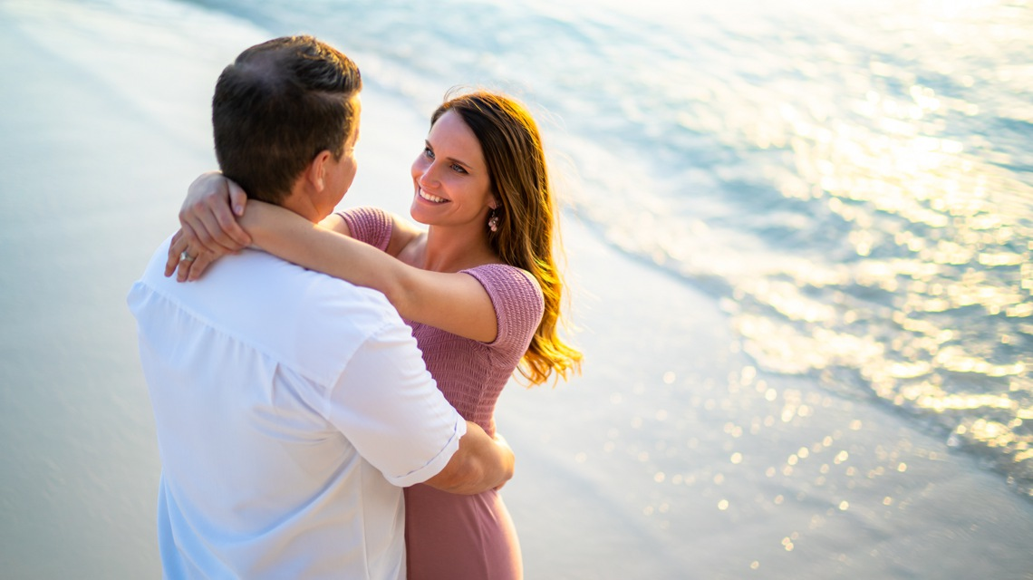 aruba photographer sunset couple