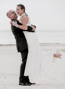 bride and groom crooze
